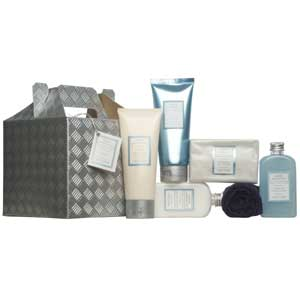 Pampering gift box for the man in your life , ideal for husbands, dads and boyfriends
